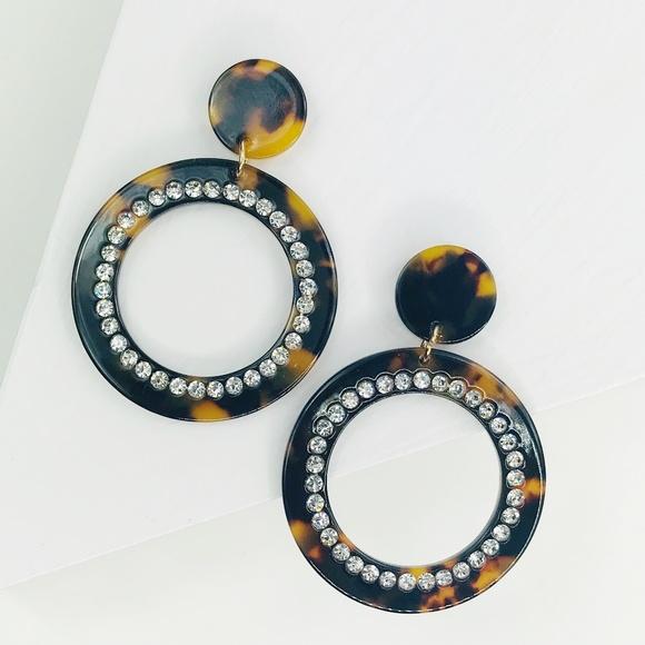 CLOSET REHAB Jewelry - Tortoise Crystal Drop Hoop Earrings